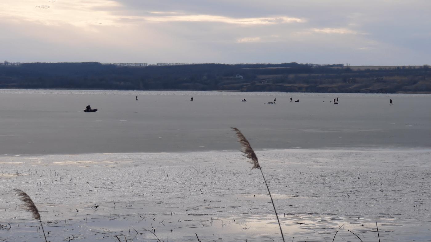 рыбалка на льдине