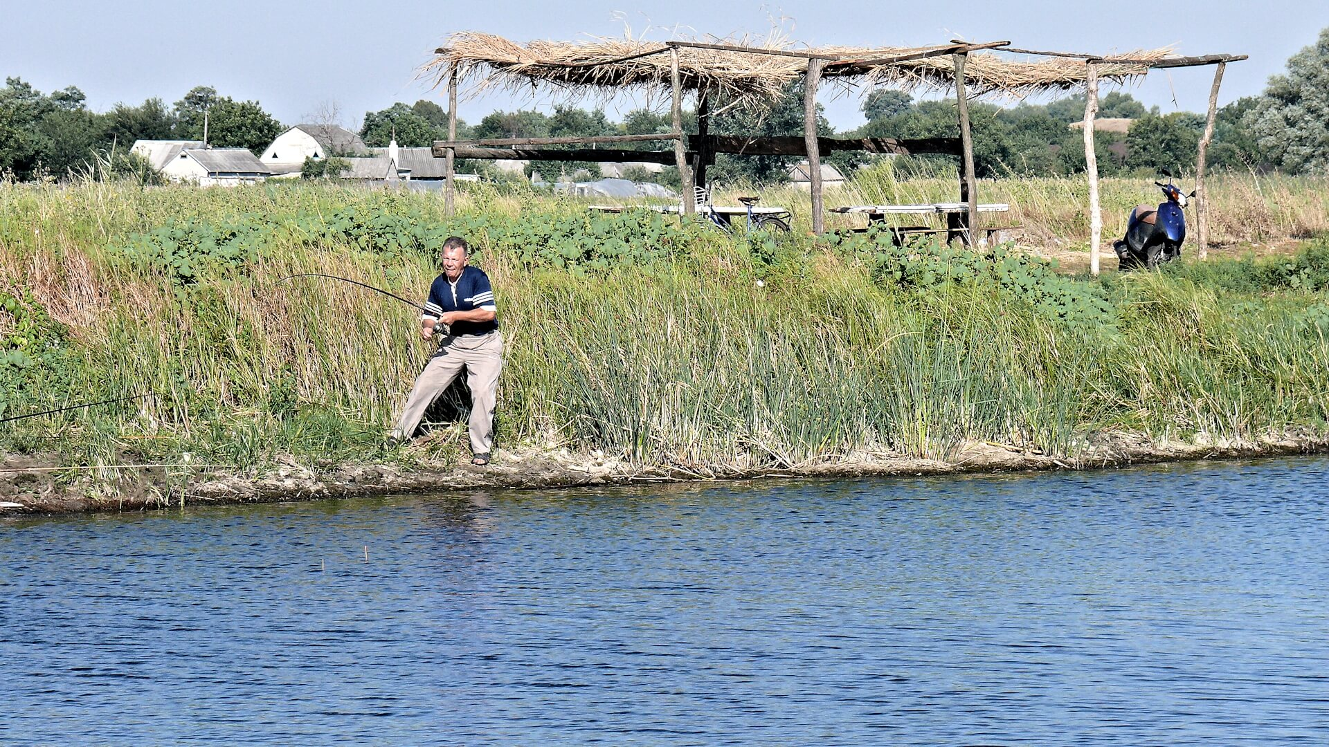 Рыбалка в августе в селе богуслав Поклевка