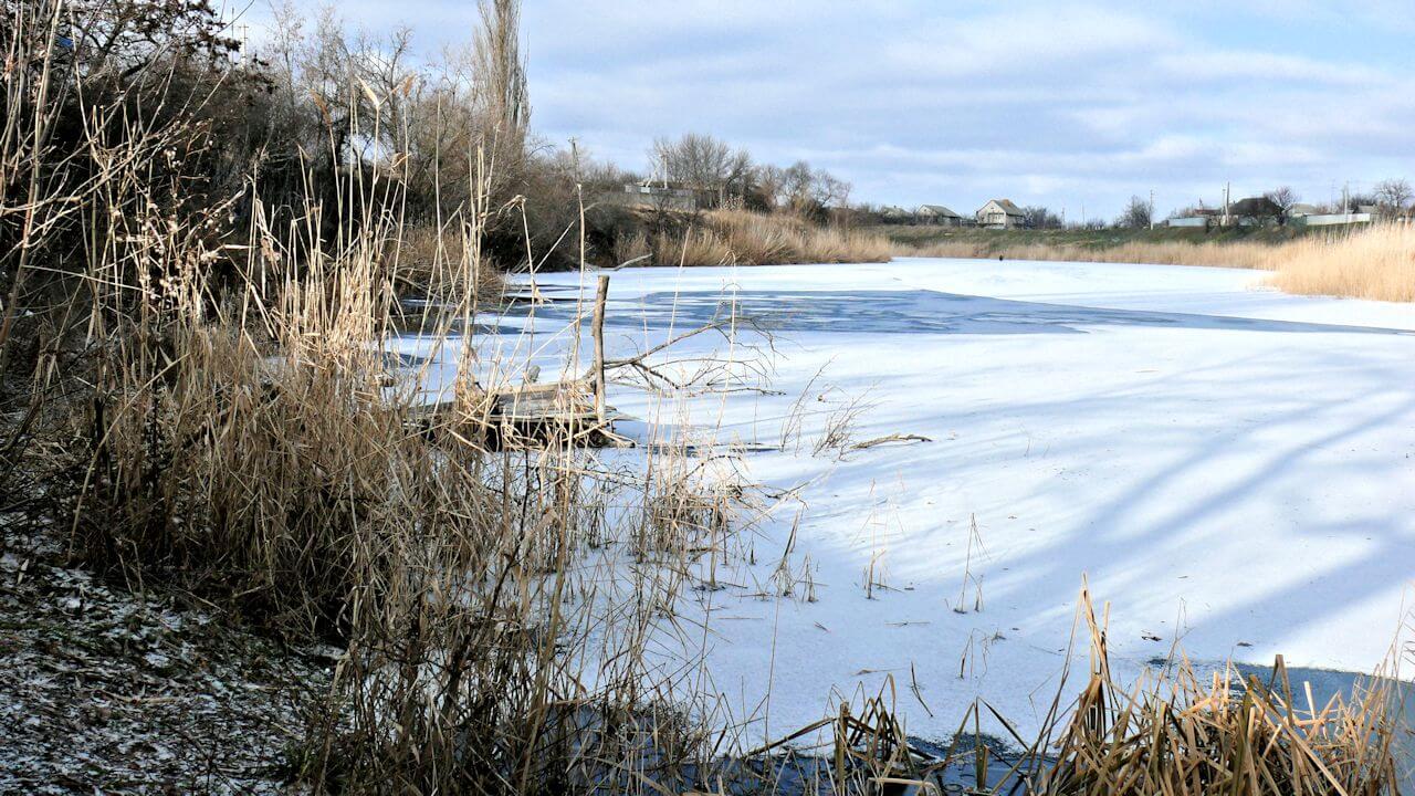 Декабрьская река фото
