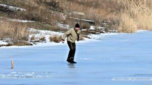 Фотогалерея Провалился под лед