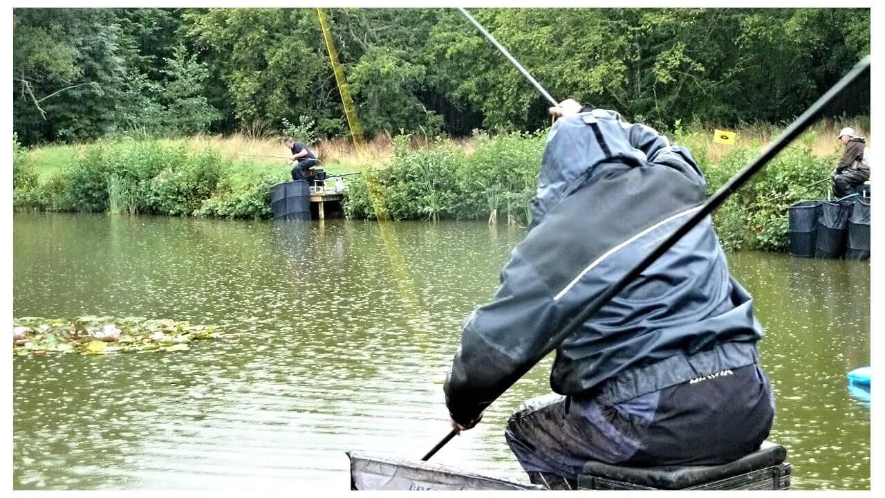 Иллюстрация к записи Рыбалка под дождем