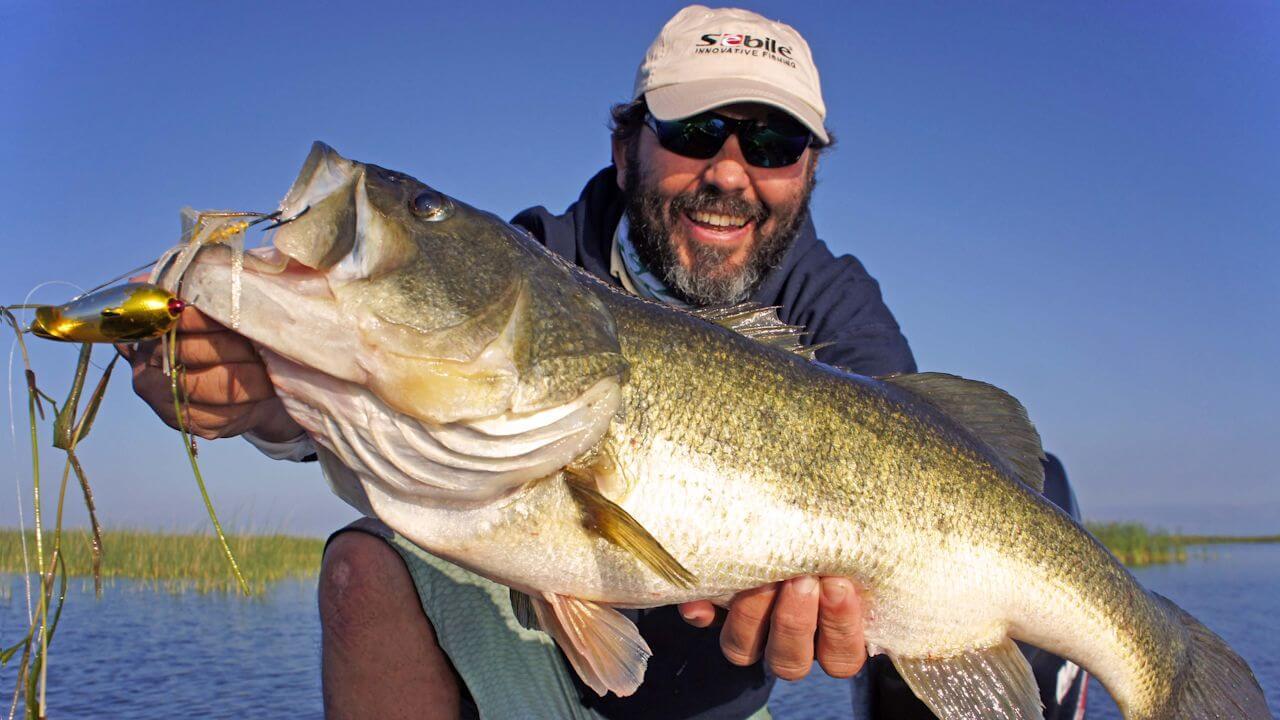 Французский рыбак Патрик Сибайл