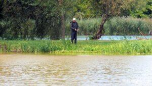 Рыбалка на реке Мена - Фото - Местный рыбак