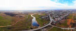 Река Большая Терновка и въезд в город