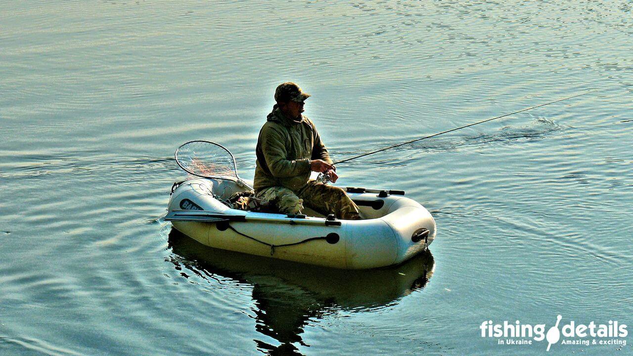Рыбалка на Десне / Спиннингист